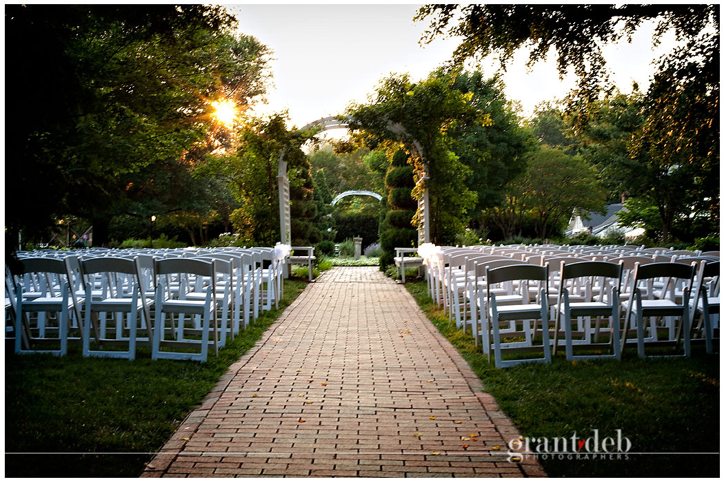 Lewis Ginter Botanical Garden Wedding Photography