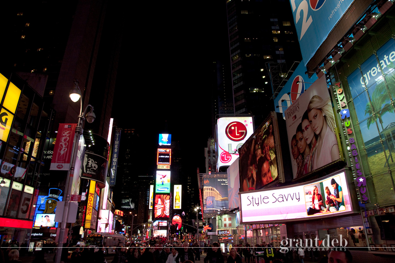 Wedding-Photographers-Times-Square - Wedding-Photographers-Times-Square