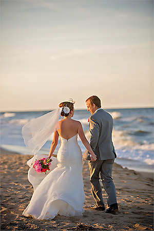 Virginia Beach Wedding Photographers Shifting Sands Emily And Joe Click To View Full